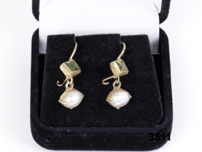 Gilt silver dangle earrings with peridot & pearl from antiques of kingston