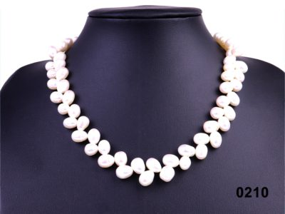 Modern freshwater pearl necklace from Antiques of Kingston