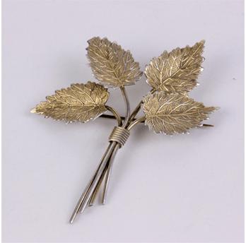 Foliate brooch