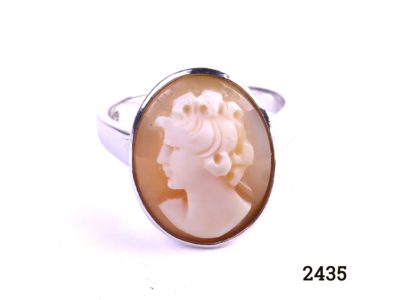 925 Sterling silver cameo ring Ring size N / 6.5 Cameo measures 20mm by 15mm Main photo showing close up image of cameo front