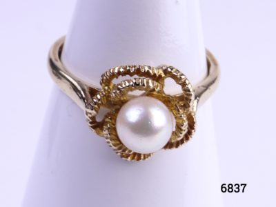 9 carat gold ring with pearl from Antiques of Kingston