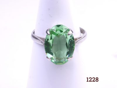 925 Sterling silver ring with oval cut pale green stone (Possibly Prasiolite) Size P / 7.5.