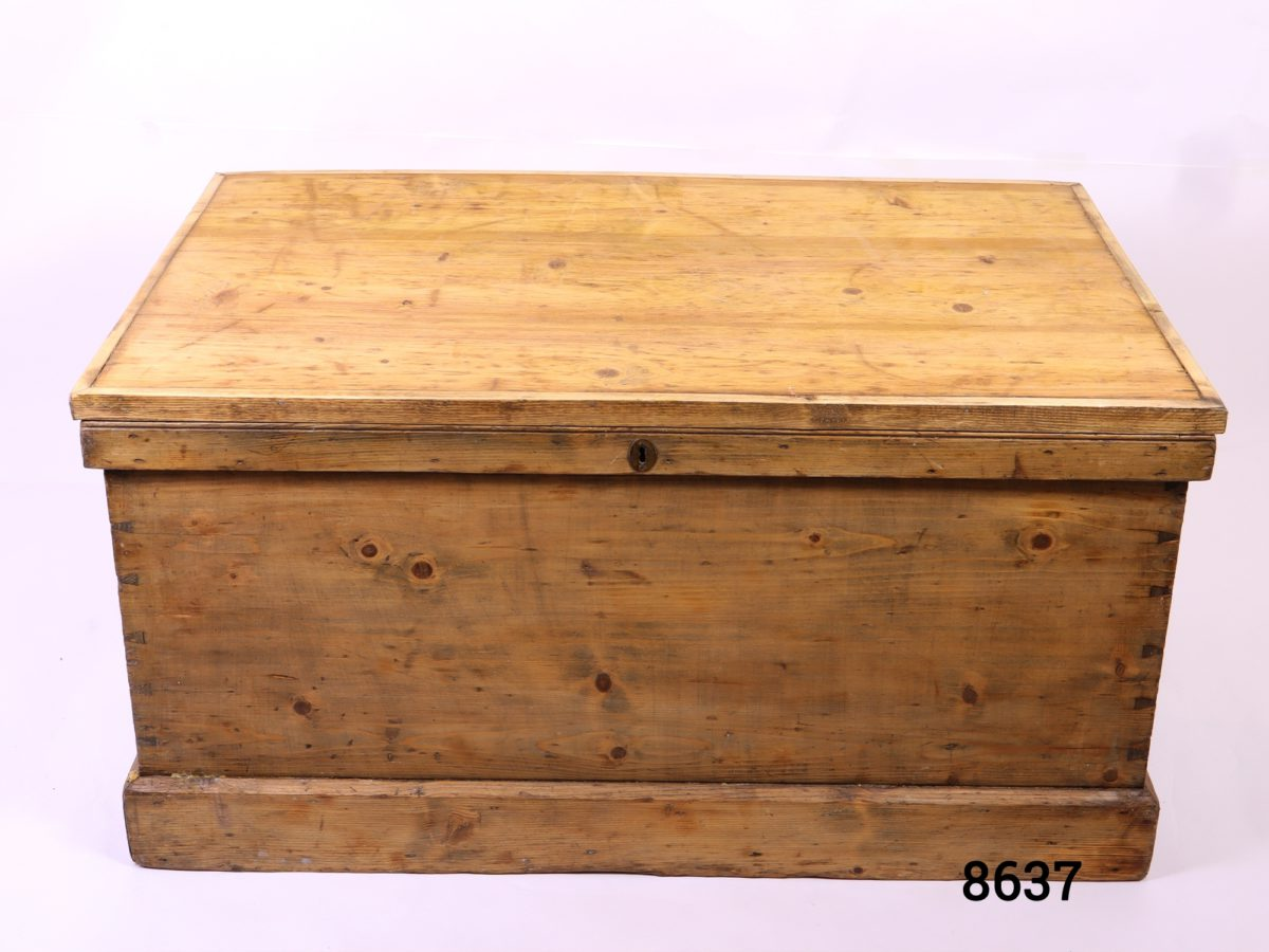 Large vintage pine blanket box with metal drop handles Lock with no key Main photo showing pine box from the front
